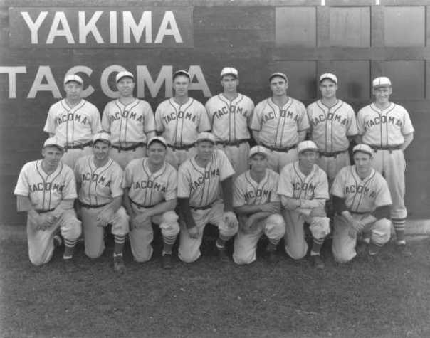 Third baseman, Ernie Raimondi (front row, second from left) with the 1938 Tacoma Tigers.